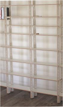 Bücherregal aus Holz -Baustelle