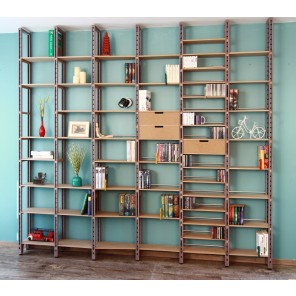 Deckenhohes Bücherregal, Industrial look