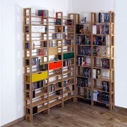 Eckregal für CDs, DVDs, Bücher und diverse andere Dinge