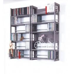 Wandregale iaus grauem MDF für CDs