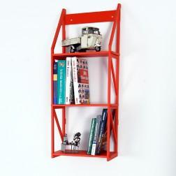 Bücherregal zum Aufhängen rot lackiert und 25 cm tief für große Bücher